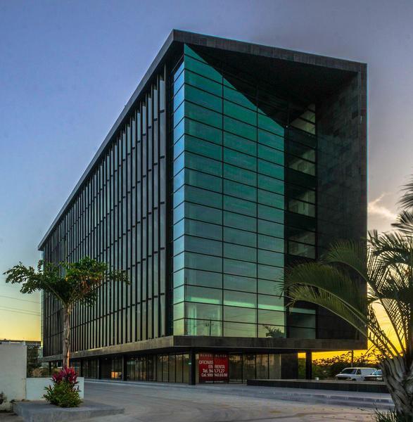 Foto Oficina en Renta en  Hacienda Dzodzil,  Mérida  Oficina en Renta Edificio Black - Nivel 6 -103 m2