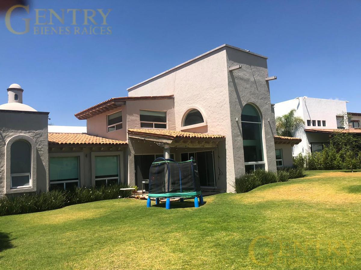 Foto Casa en Venta en  Fraccionamiento El Campanario,  Querétaro  ¡¡¡Remate!!! Residencia en Venta a Precio de Terreno