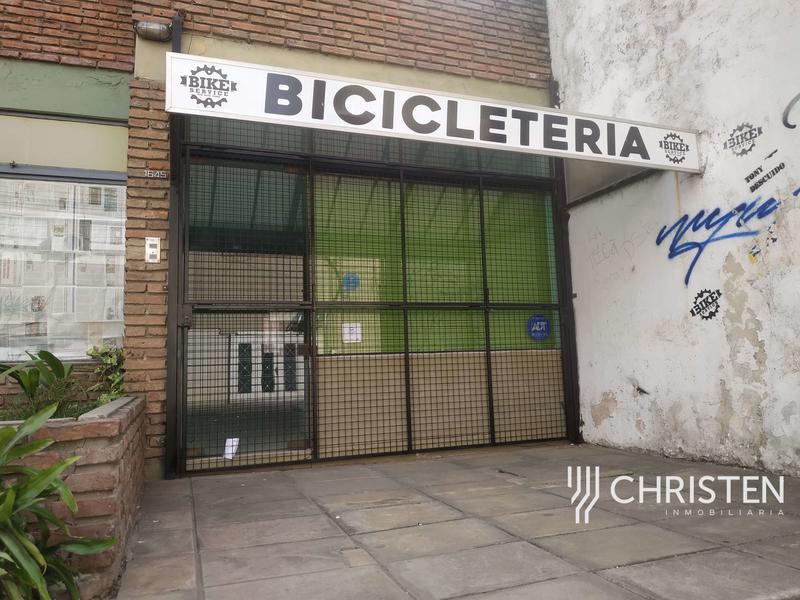 Foto Local en Alquiler en  Centro Sur,  Rosario  1º DE MAYO al 1600