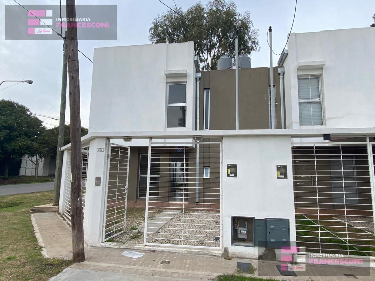 Foto PH en Venta en  Los Hornos,  La Plata  46 esq 150