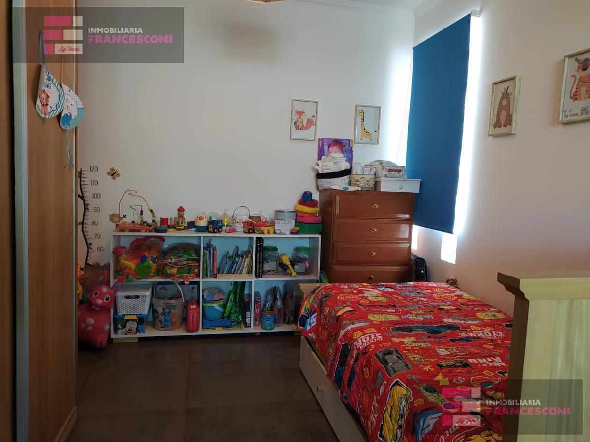 Foto PH en Venta en  Berisso,  Berisso  montevideo y 14