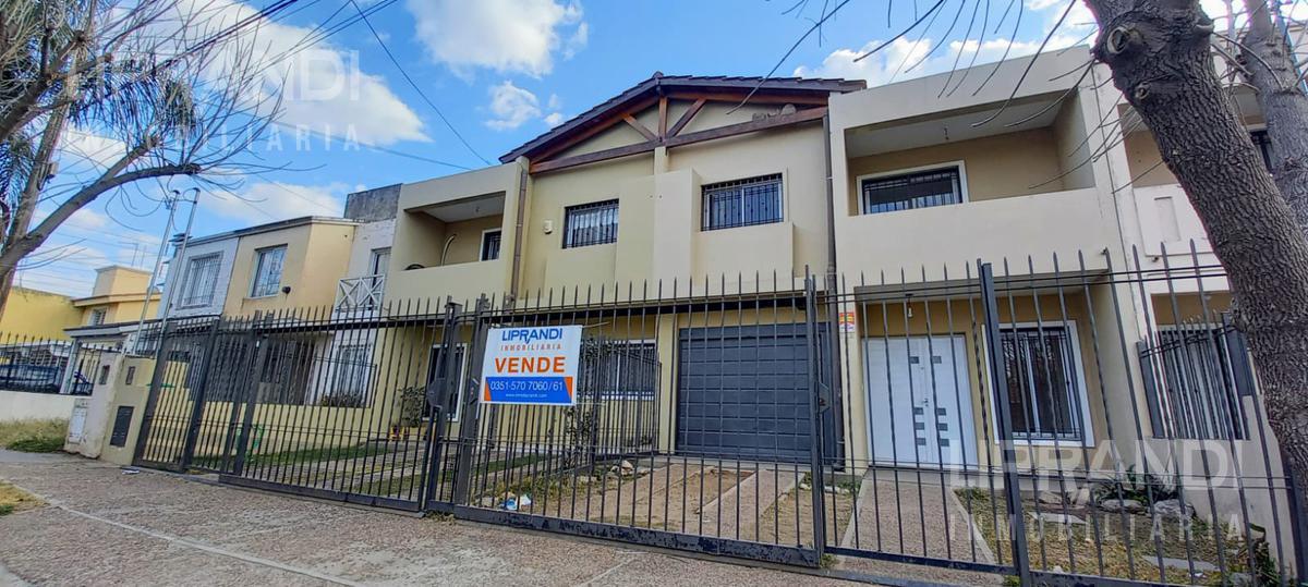 Foto Casa en Venta en  Nuevo Poeta Lugones,  Cordoba Capital  JOSE BETINOTTI 3300 - NUEVO POETA LUGONES-