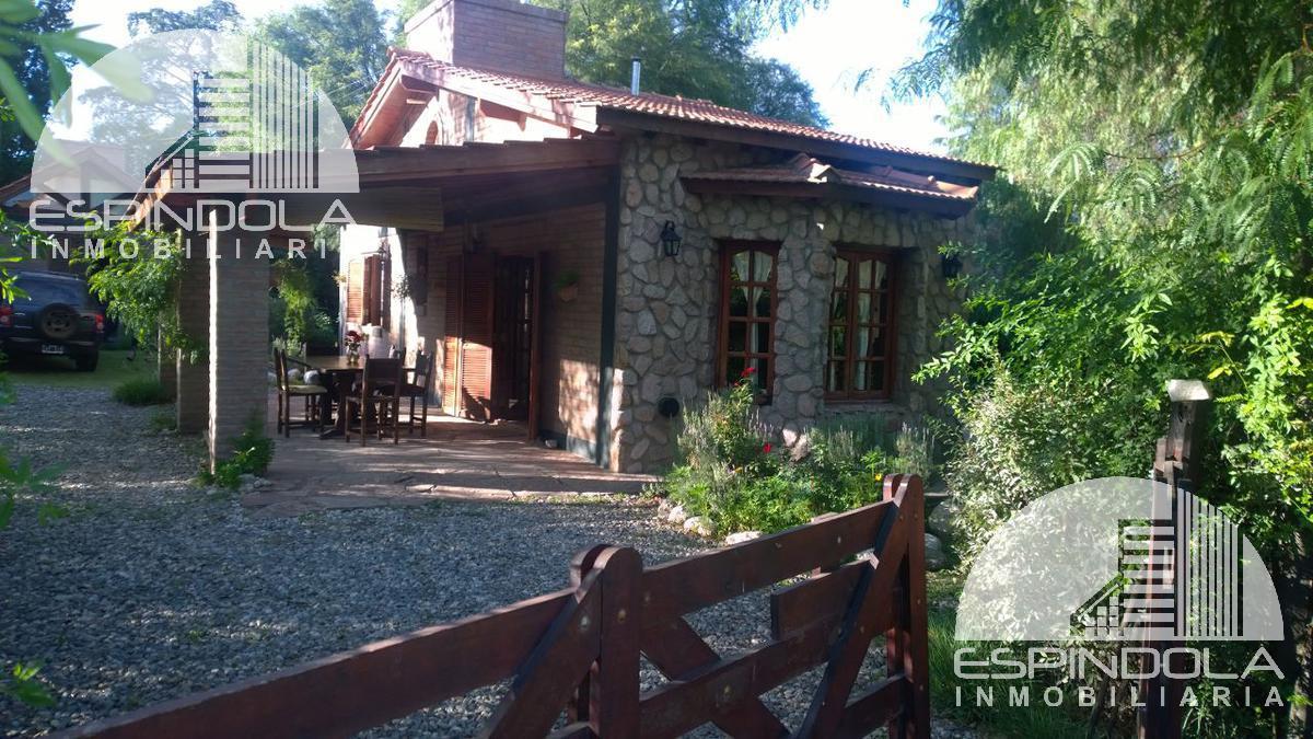 Foto Casa en Venta |  en  Piedra Blanca Arriba,  Merlo  Las Madres Selvas