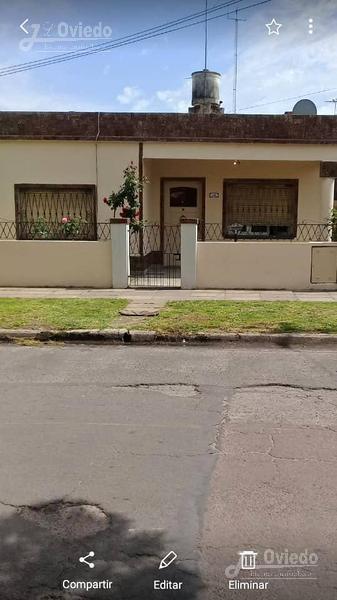 Foto Casa en Venta en  Moron ,  G.B.A. Zona Oeste  lanus al 3000