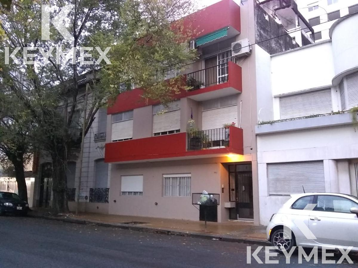 Foto Departamento en Venta en  La Plata ,  G.B.A. Zona Sur  Departamento 50 entre 2 y 3