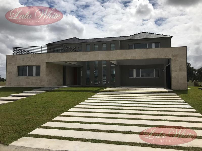 Foto Casa en Venta en  La Providencia,  Countries/B.Cerrado (Ezeiza)  Casa a estrenar en La Providencia