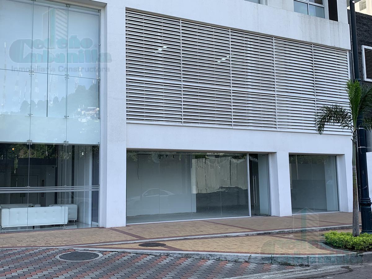 Foto Local en Venta en  Malecon 2000,  Guayaquil  VENTA DE LOCAL COMERCIAL EDIFICIO SPAZIO, PUERTO SANTA ANA