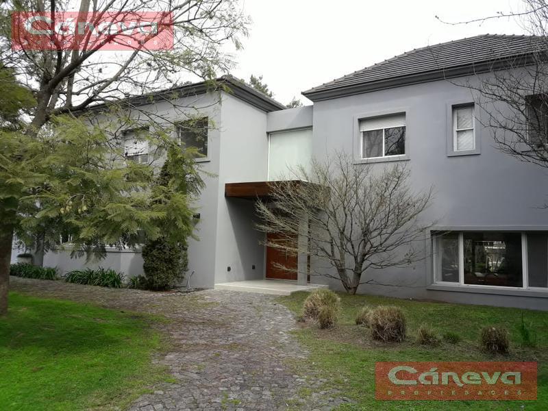 Foto Casa en Venta en  Newman Club,  Countries/B.Cerrado (Tigre)  Hermosa casa en el Club Newman
