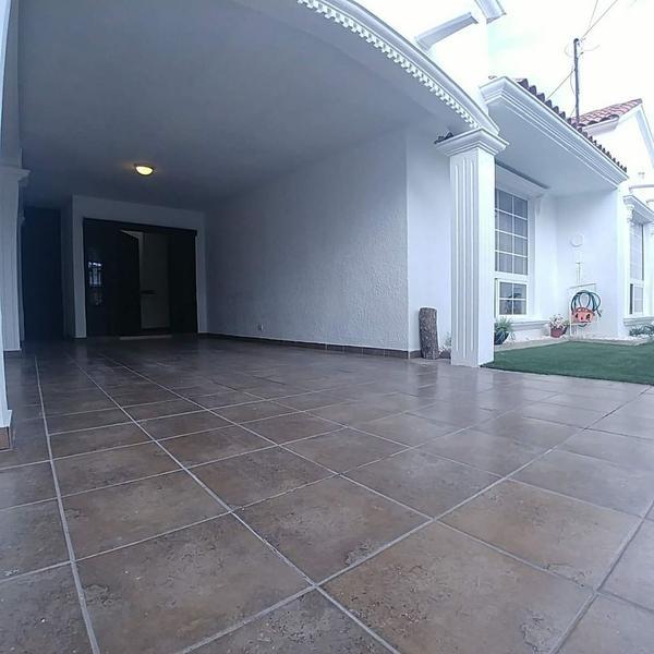 Foto Casa en Venta en  Las Palmas,  Chihuahua  PERIF O MENA