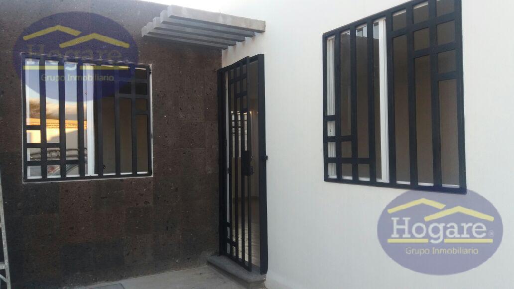 Casa en Venta de 1 planta, con terreno excedente, dentro de privada en Hacienda Viñedos, León, Gto.