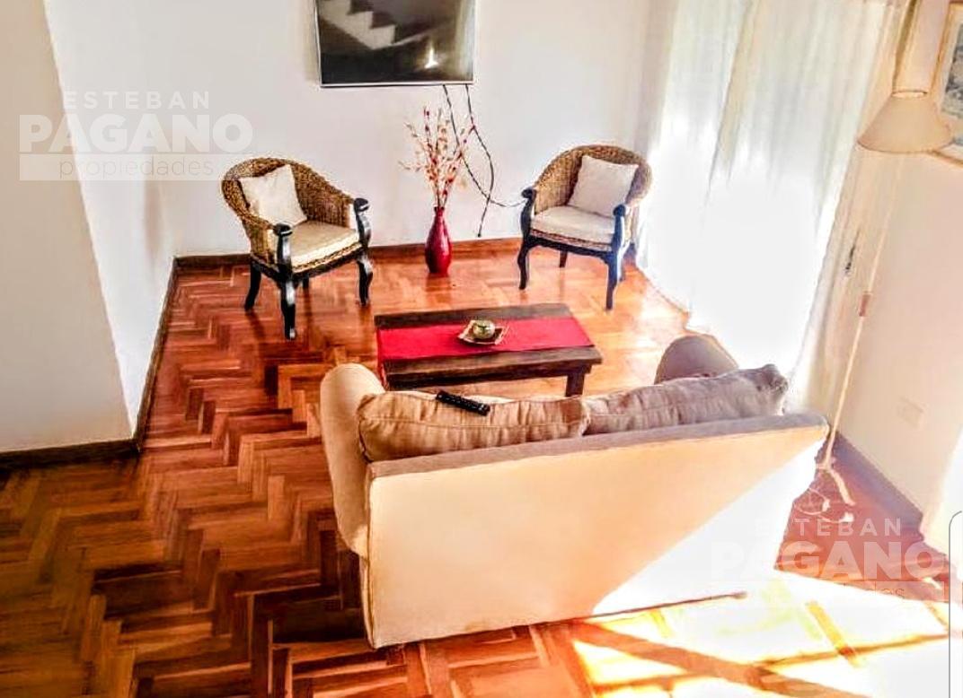 Foto Casa en Venta en  Los Hornos,  La Plata  133 entre 60 y 61