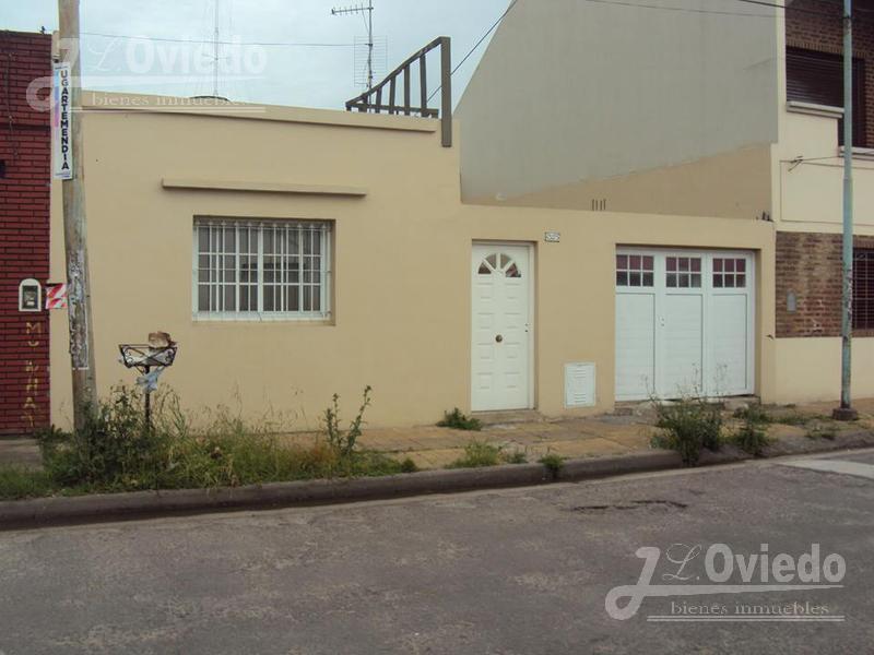Foto Casa en Alquiler en  Moron ,  G.B.A. Zona Oeste  Av Vergara al 100