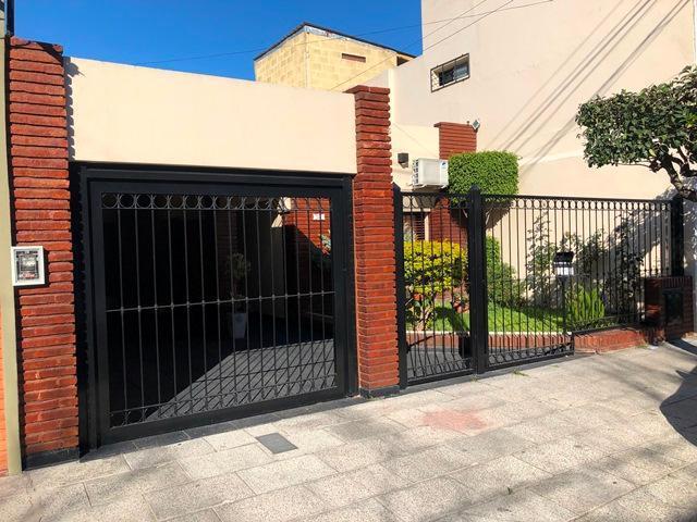 Foto Casa en Venta |  en  Ramos Mejia,  La Matanza  Castelli 886