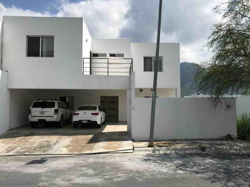 Foto Casa en Venta en  Palmares Residencial,  Monterrey  CASA EN VENTA PALMARES RESIDENCIAL ZONA CARRETERA NACIONAL MONTERREY
