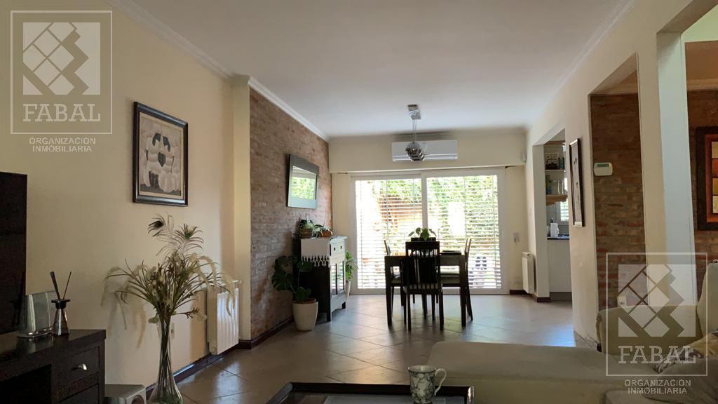 Foto Casa en Venta en  Santa Genoveva ,  Capital  Tucumán 725