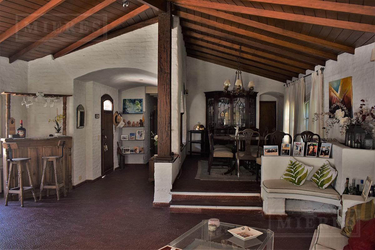 Casa de 400 mts. en Tortugas C.C.