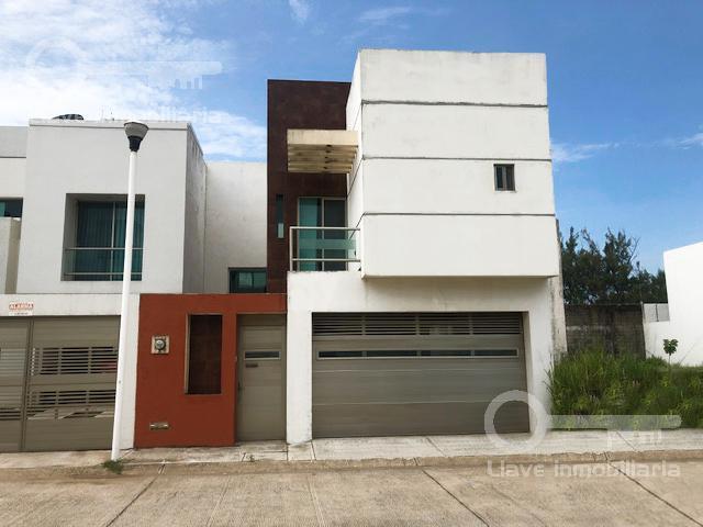 Foto Casa en Venta | Renta en  Fraccionamiento Paraíso Coatzacoalcos,  Coatzacoalcos  Casa en Venta, Abraham Angel, Fracc. Paraíso