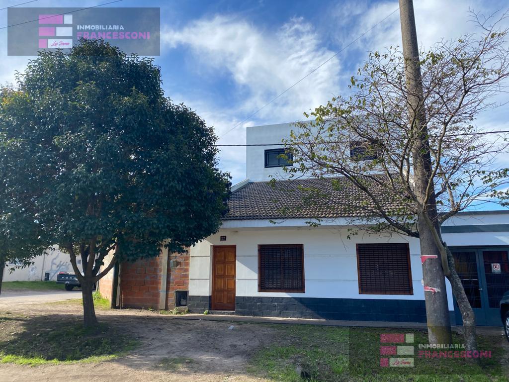 Foto Casa en Venta en  La Plata,  La Plata  CALLE 137