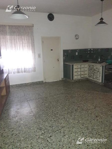 Foto Casa en Venta en  Trelew ,  Chubut  Cabot 35,  a metros de Av. Yrigoyen