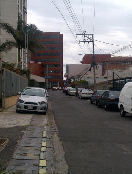 Foto Terreno en Venta en  Escazu,  Escazu  TERRENO USO COMERCIAL MULTIPLAZA ESCAZU.