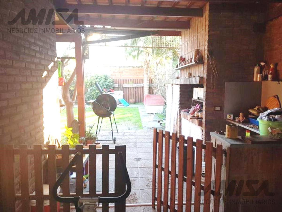 Foto Casa en Venta en  Funes ,  Santa Fe  GUAYACAN al 2200 - Barrio SOLARES