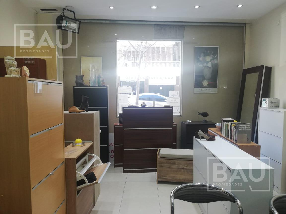 Foto Local en Venta en  Recoleta ,  Capital Federal  Juncal al 2700