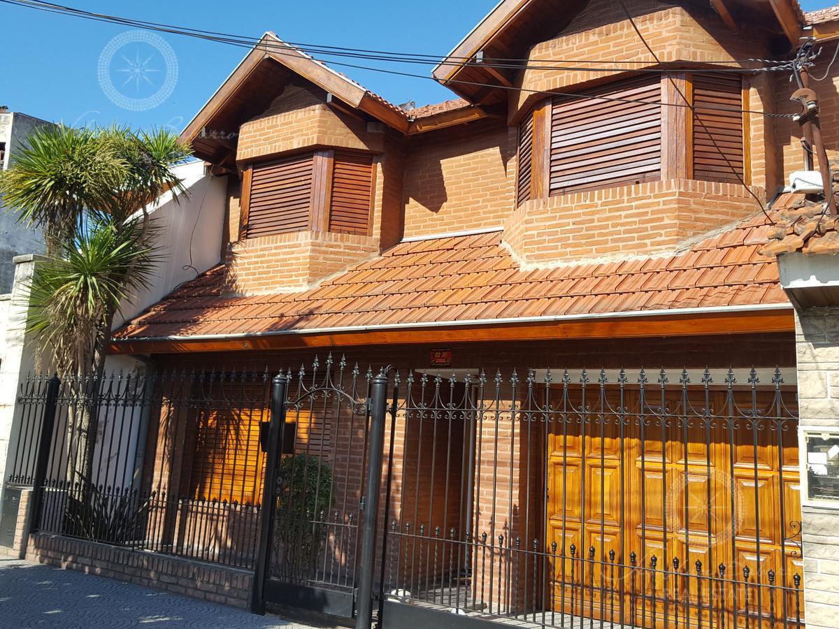 Foto Casa en Venta en  Banfield,  Lomas De Zamora  Almafuerte al 1300