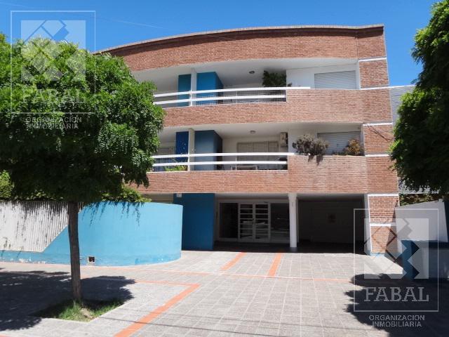 Foto Departamento en Alquiler en  Área Centro Este ,  Capital  Dr. Ramón 340