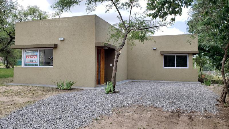 Foto Casa en Venta |  en  Villa Catalina,  Rio Ceballos  Divina casa Villa Catalina... calef ctral, 2 dorm, porcelanato / imperdible!