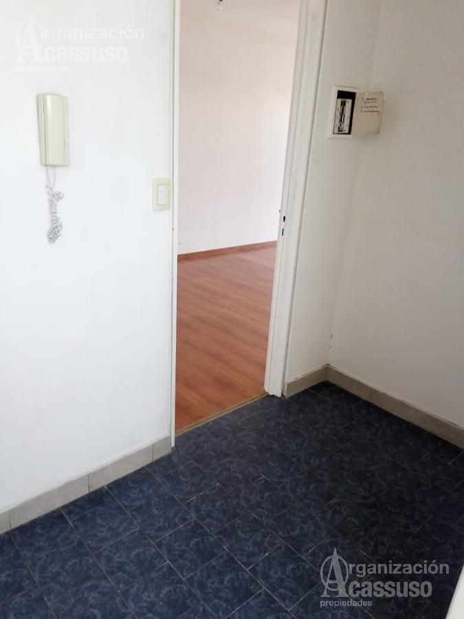 Foto Departamento en Venta en  Acas.-Vias/Santa Fe,  Acassuso  Avenida Santa Fé al 1060 PISO ALTO