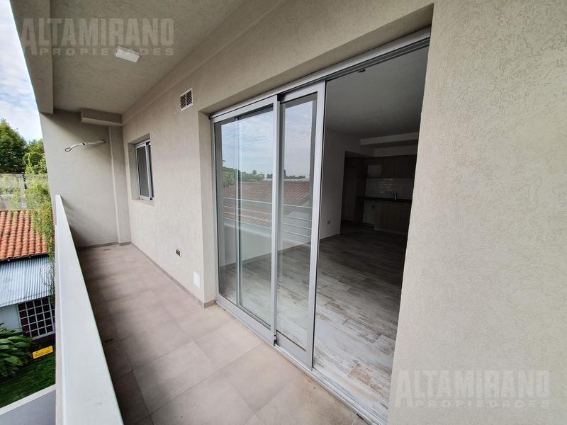 Foto Departamento en Venta en  Villa Ballester,  General San Martin  Alvear al 2200