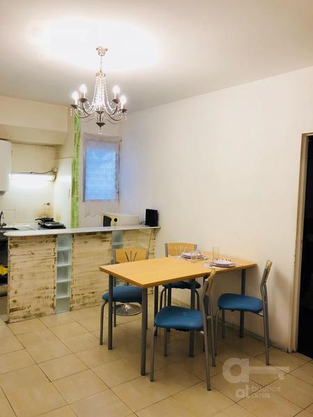 Foto Departamento en Alquiler temporario en  Centro ,  Capital Federal  Uruguay al 800