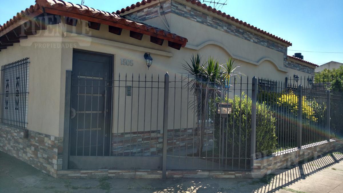Foto Casa en Venta en  Temperley Oeste,  Temperley  Avellaneda 1505