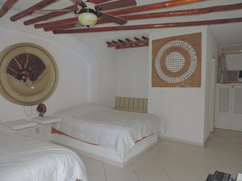 Foto Casa en Venta en  Pueblo Tequesquitengo,  Jojutla  Venta de casa en el Lago de Tequesquitengo, Morelos...Clave 2316