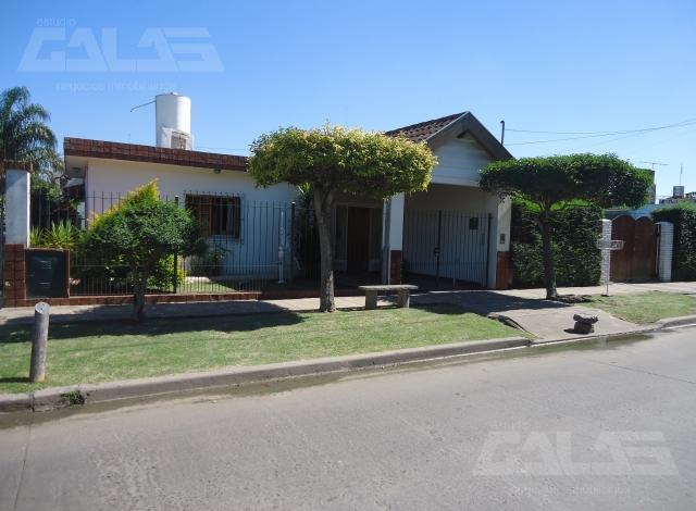 Foto Casa en Venta en  Ituzaingó,  Ituzaingó  Nahuel Huapi entre Ratti y Nicasio Oroño