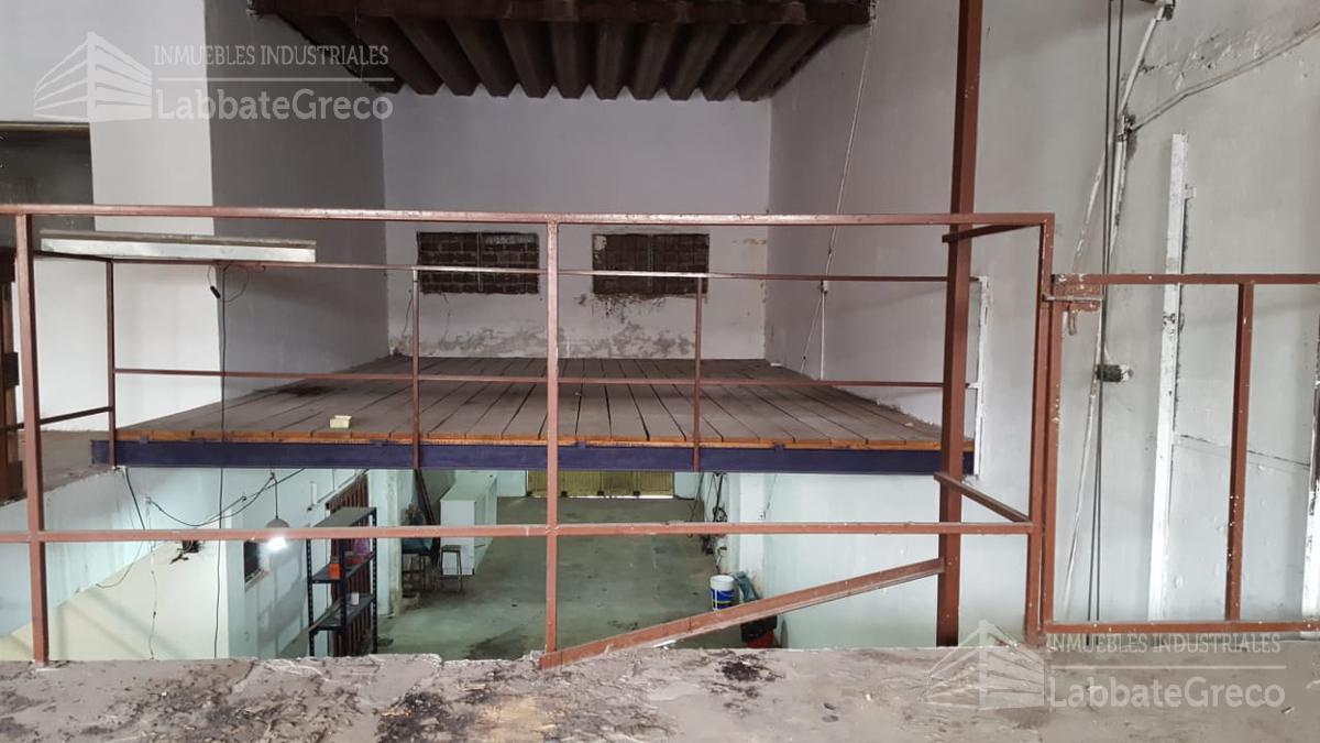 Foto Nave Industrial en Venta | Alquiler en  General San Martin ,  G.B.A. Zona Norte  Las Camelias al 6800