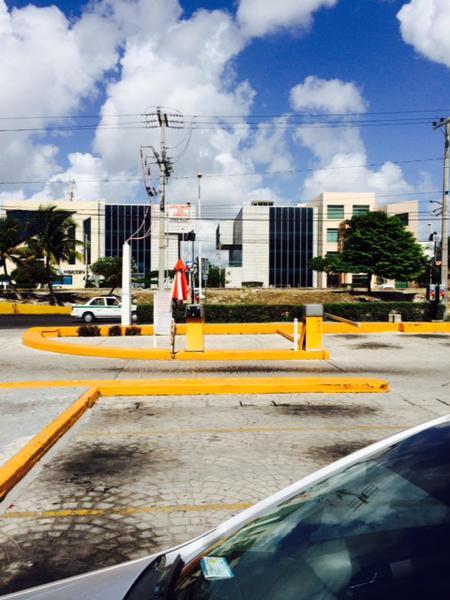 Foto Local en Renta en  Supermanzana 15,  Cancún  Oficina P1 Condominio Blau Center