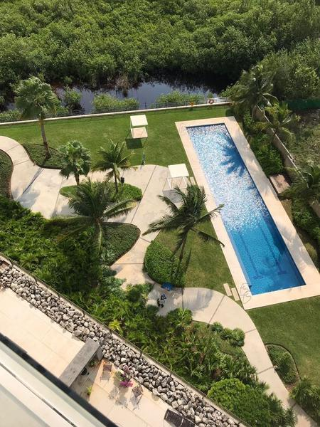 Puerto Cancún Apartment for Sale scene image 1