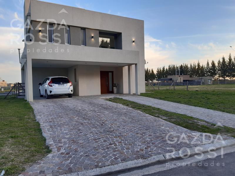 Foto Casa en Venta en  Santa Ines,  Canning (E. Echeverria)  importante casa en dos plantas en Barrio Santa Ines