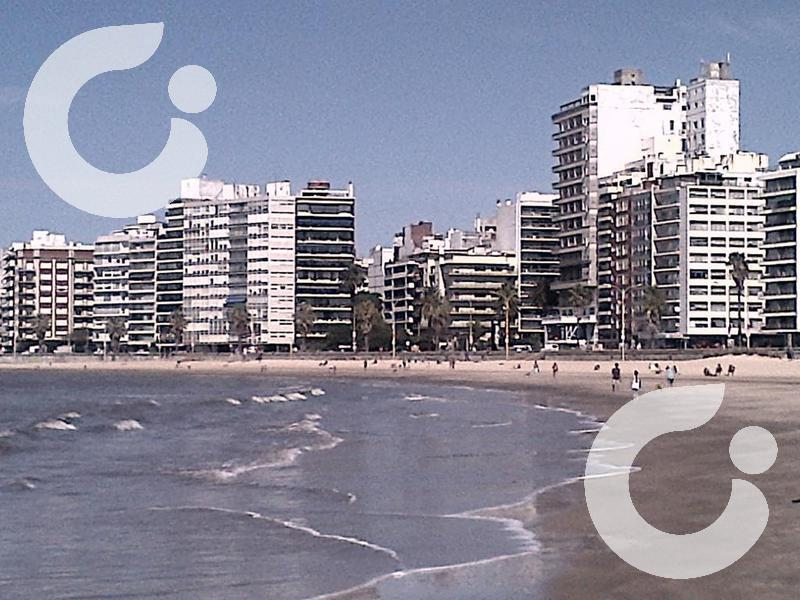 Foto Terreno en Venta en  Pocitos ,  Montevideo  Para edificio de 10 pisos
