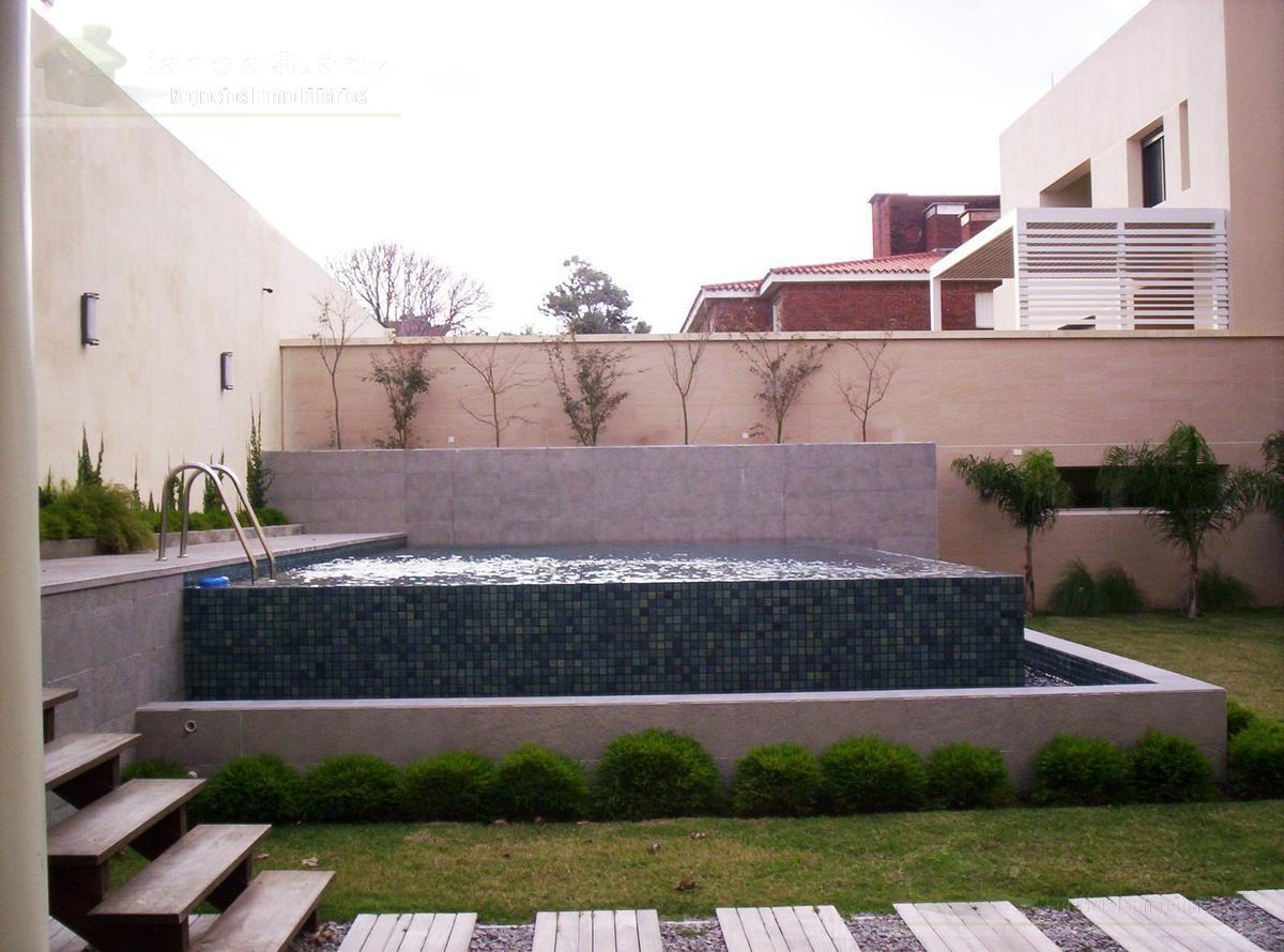 Foto Departamento en Venta en  Carrasco ,  Montevideo  Acapulco al 1500