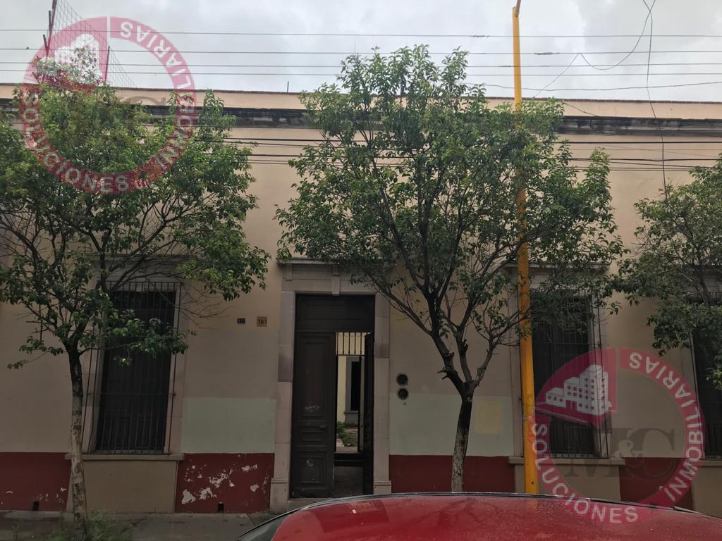 Foto Local en Renta en  Zona Centro,  Aguascalientes  Casa antigua en Renta en el centro de Ags.