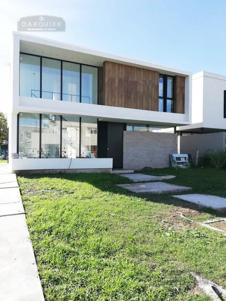 Foto Casa en Venta en  Adrogue,  Almirante Brown  SOLER 495 LOTE  90