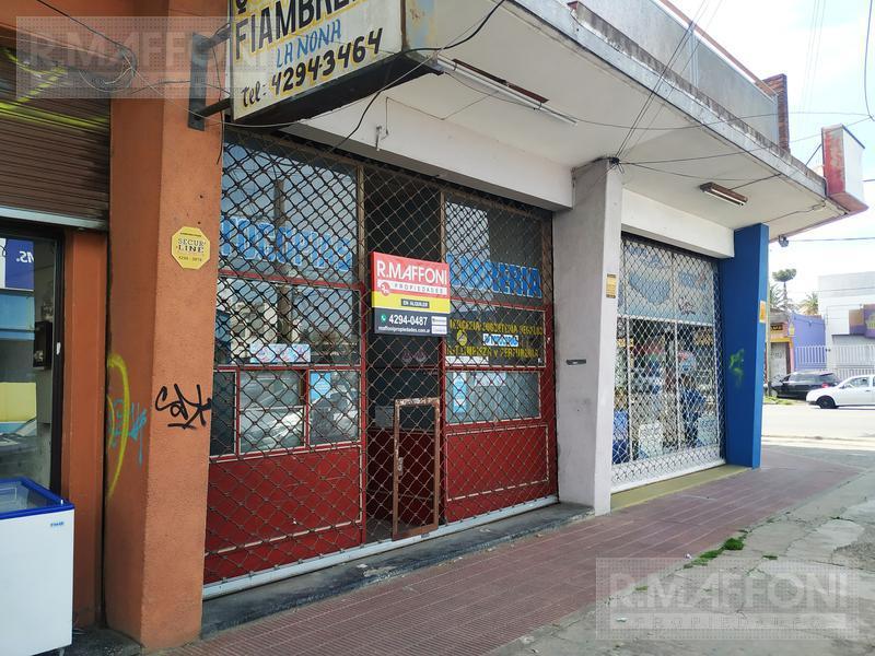 Foto Local en Alquiler en  Almirante Brown ,  G.B.A. Zona Sur  Davila 11