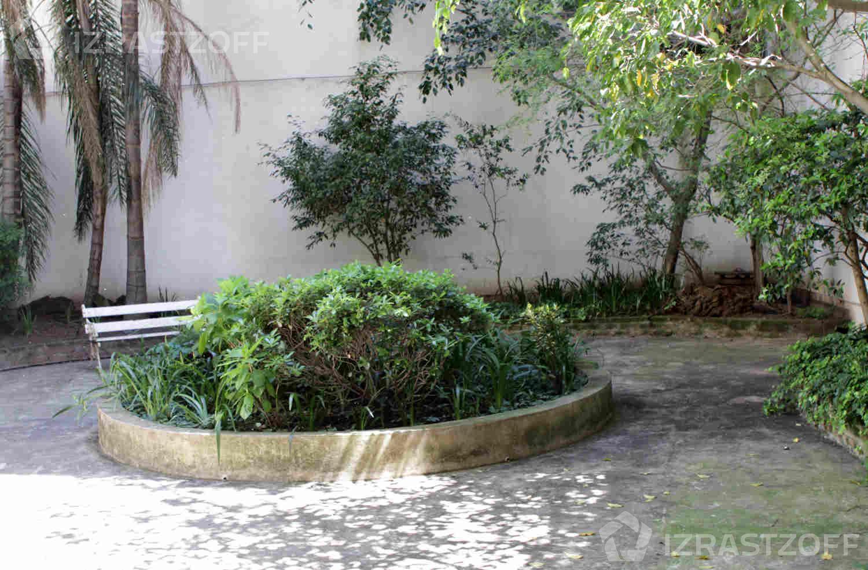 Departamento-Venta-Barrio Norte-Las Heras e/ Laprida y Pueyrredón