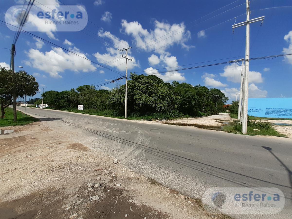 Foto Terreno en Renta en  Fraccionamiento Yucalpeten,  Mérida  Terreno en renta en Zona Poniente Mérida