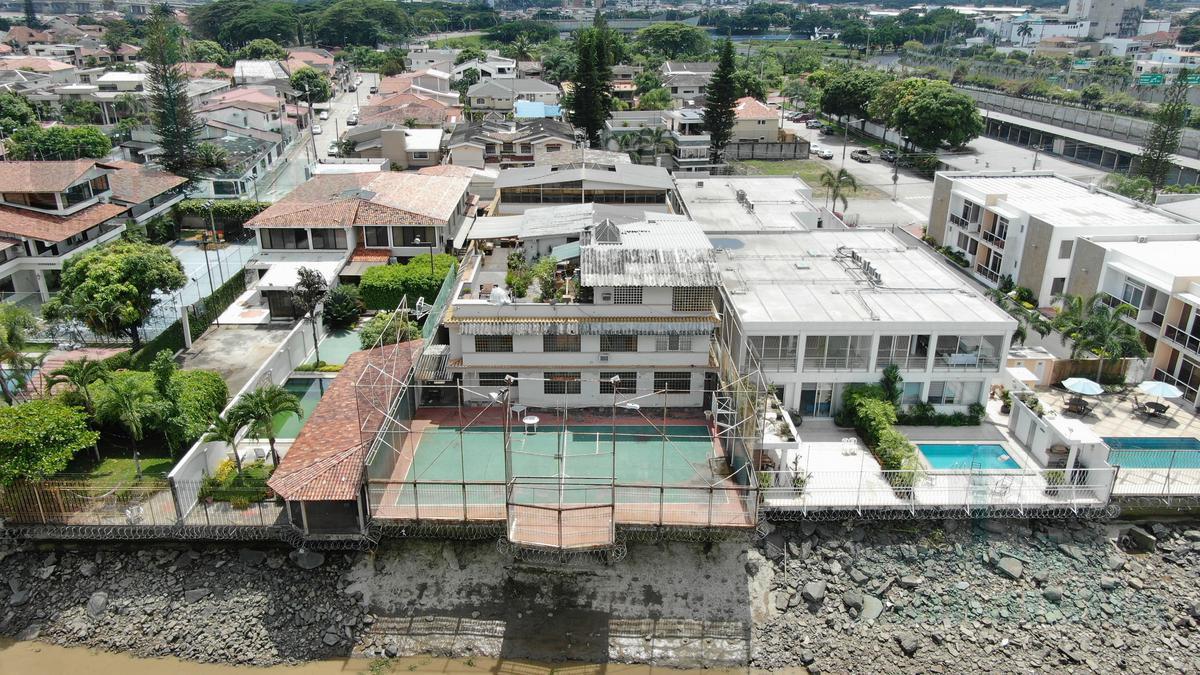 Foto Casa en Venta en  Samborondón ,  Guayas  VENTA DE VILLA DUPLEX AL RÍO VÍA SAMBORONDÓN