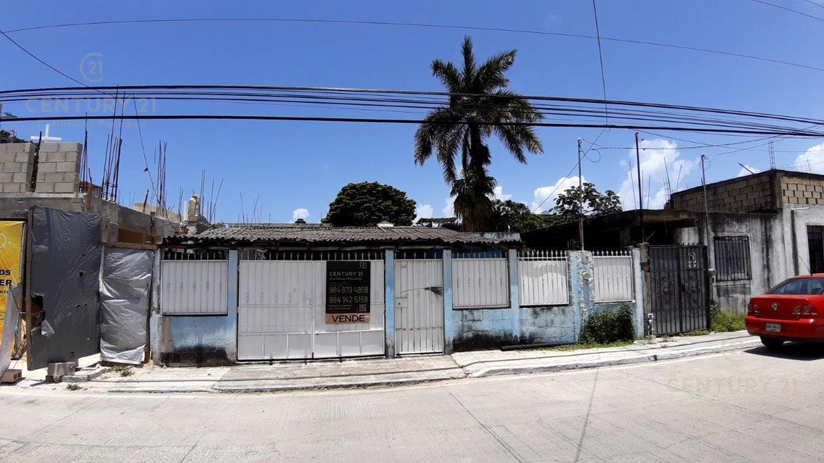 Playa del Carmen Centro House for Sale scene image 16