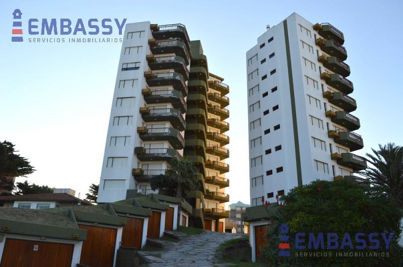 Foto Departamento en Venta en  Villa Gesell ,  Costa Atlantica  Avenida 1 entre los paseos  111 y 112 Edificio