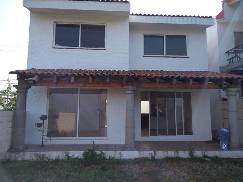 Foto Casa en Venta en  Fraccionamiento Lomas del Sol,  Cuernavaca  Casa Lomas del Sol, Cuernavaca